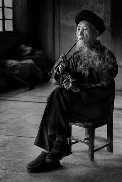 05 Mr Pan Smoking His Pipe -18.jpg
