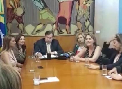 Lançamento Comissão Externa Violência Contra Mulher