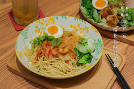 櫻花蒜酥好蝦麵.jpg