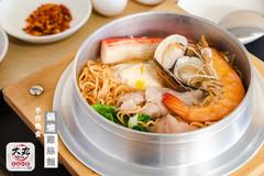 大丸豆花仙草冰品店 鍋燒雞絲麵.jpg