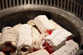 肉吧·RouBar x 燒肉專門店 使用A級高級炭精.jpg