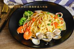 奶油蘑菇白醬海鮮義大利麵.jpg