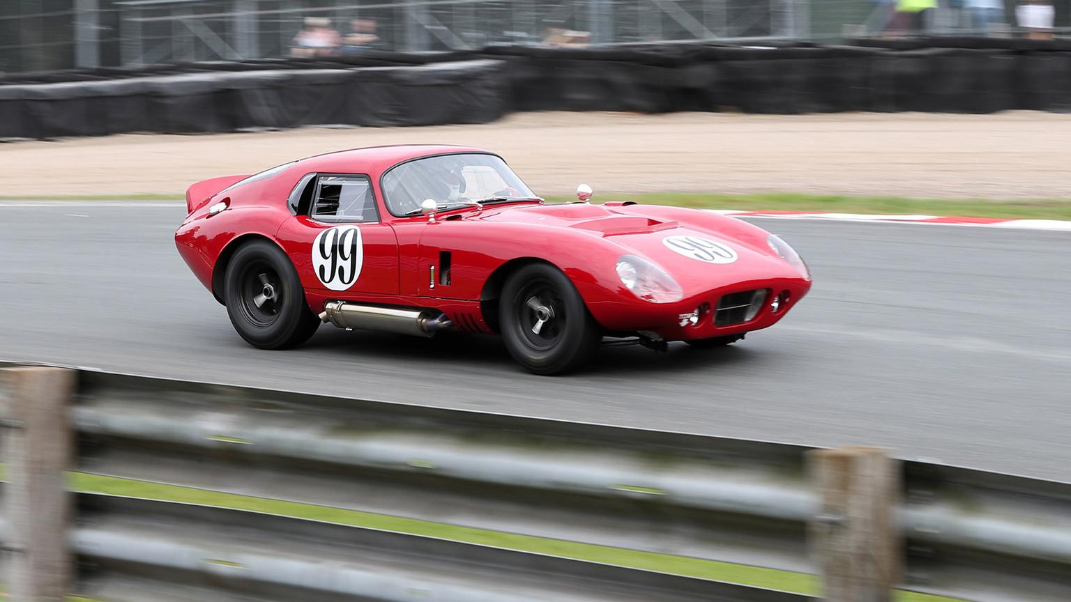 img-Cobra-Daytona-02.jpg