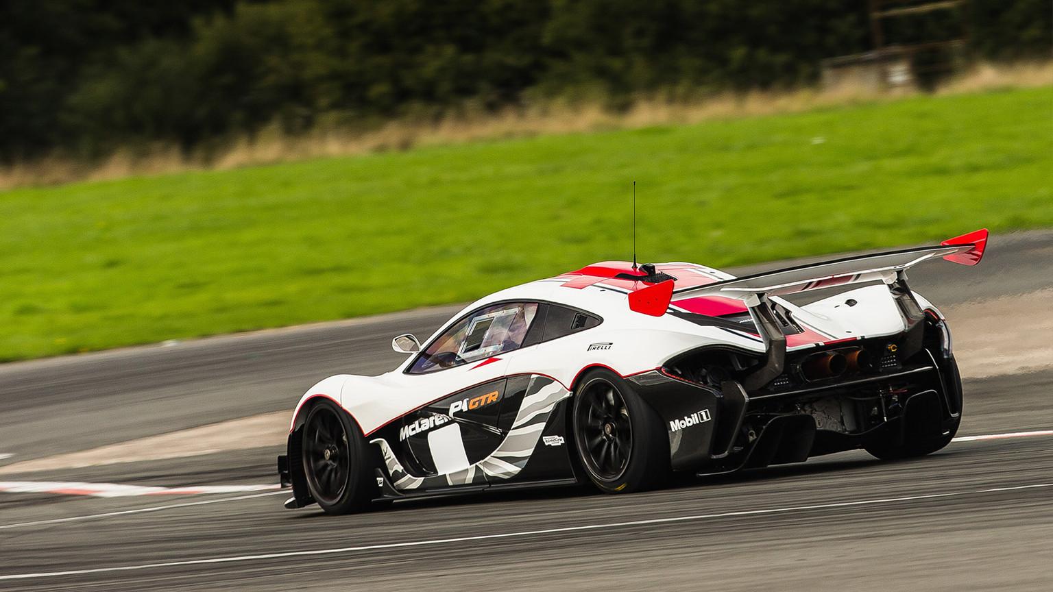 img-McLaren-P1-GTR-02.jpg