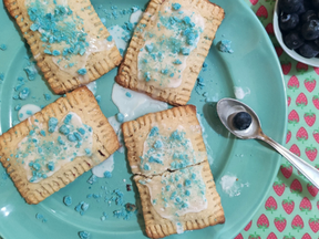 Homemade Cereal Blueberry Pop-Tarts!