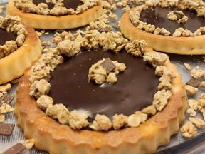 Chocolate and granola mini tarts