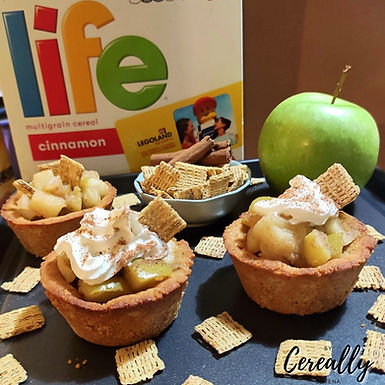 Apple pie bites with almond and LIFE Cereal crust