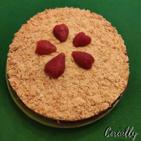 Strawberry and cream crumble cake