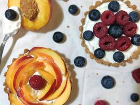 Summer fruits granola tarts