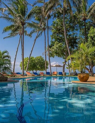 Tamani pool by the beach