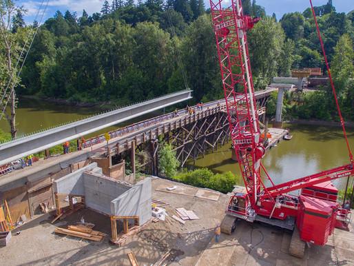 Brückenbau im US-Bundesstaat Washington ist dank Manitowoc MLC300 dem Zeitplan voraus
