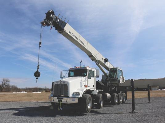 Manitowoc présente le nouveau camion-grue National Crane NBT60L