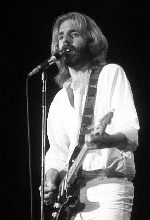 Sizzling Andrew Gold