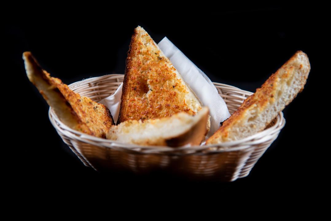 garlic bread 2.jpg