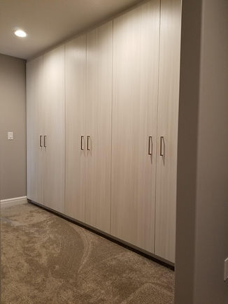 Custom Closets.jpg