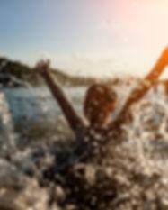 Junge im Wasser.jpg