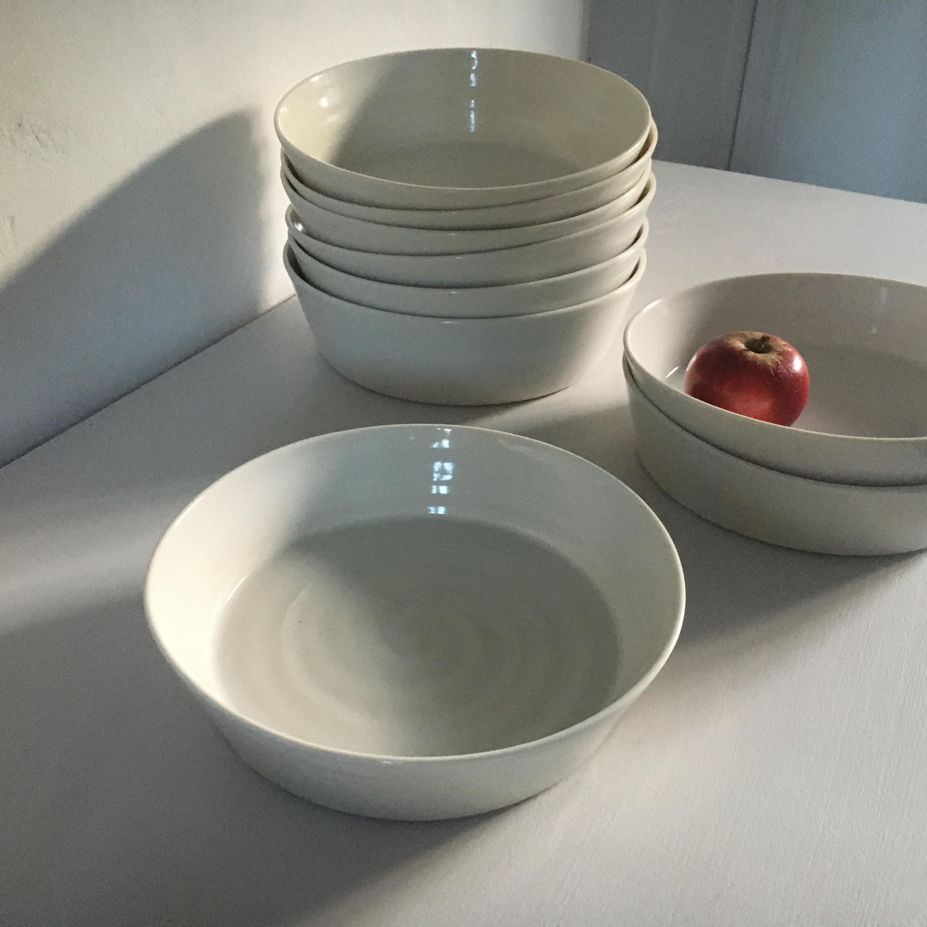 Shaker bowls