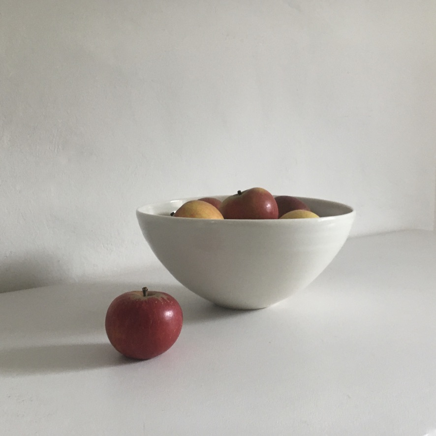 Serving bowl- apples
