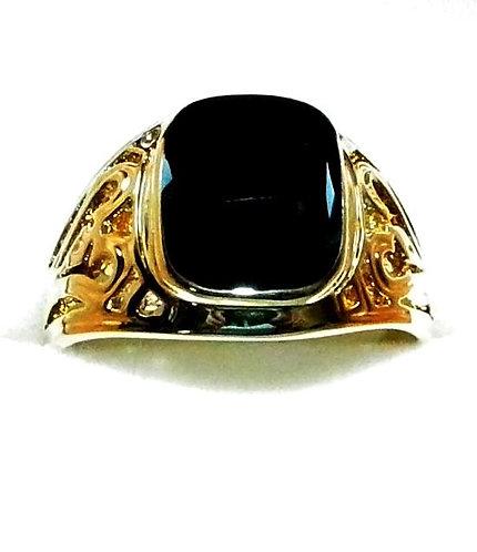 Gold Onyx Ring