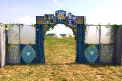Archway to Artist Campsite