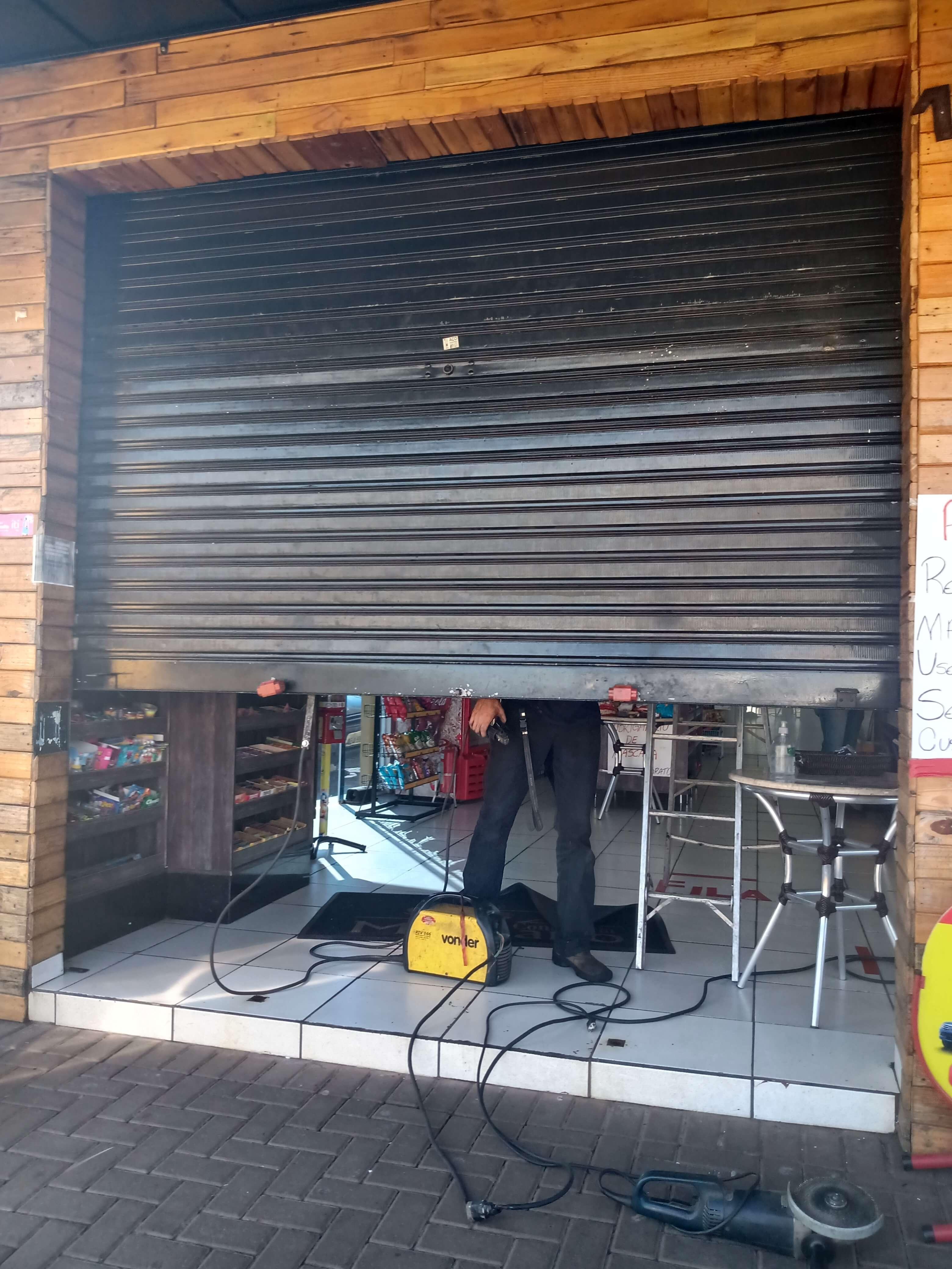 conserto de porta de aço em londrina