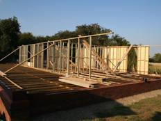 stable 04 timber frames.jpg