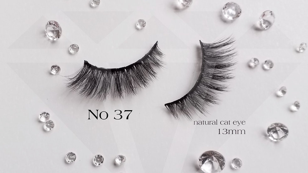 Ultimate luxury strip lashes