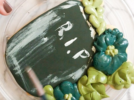 How to Make a Floral Tombstone Cookie