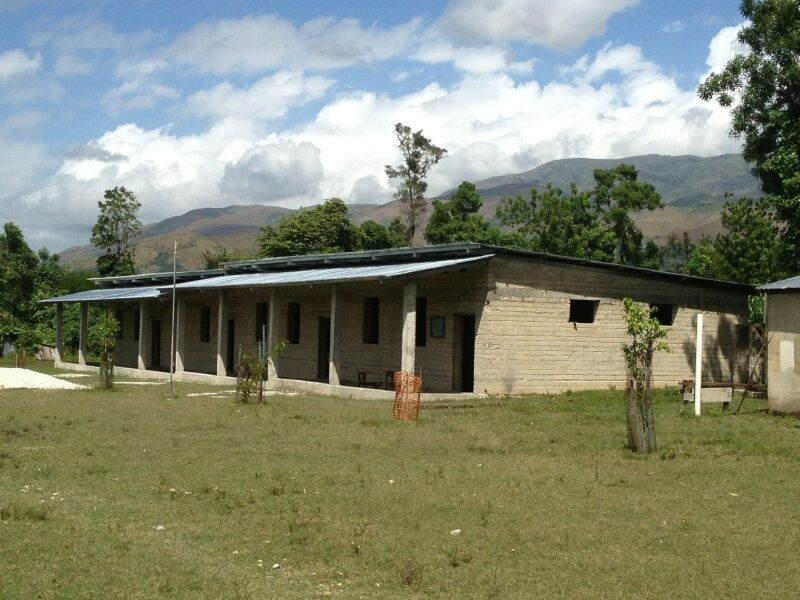 School Building 2, Deslandes Haiti.jpg