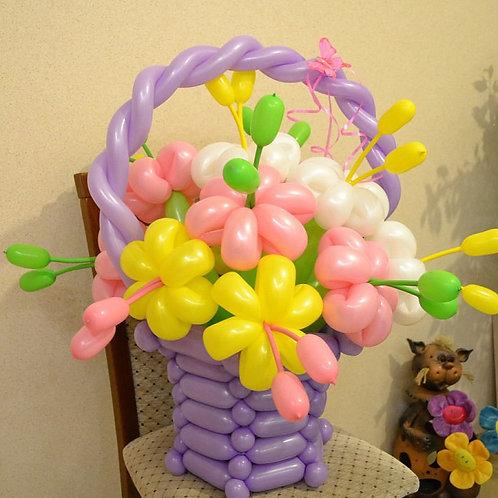 Корзинка из воздушных шариков 004