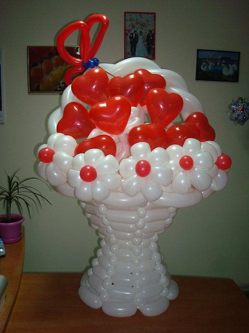 Корзинка из воздушных шариков 001