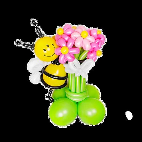 букет ромашек с пчелкой