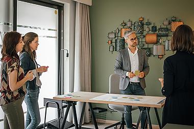 Brainstorm en onderzoek bij bedrijf rond thema stress welzijn en communicatie door Kurago uit Hasselt