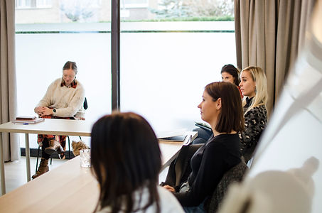 Groepstraining rond communicatie stress of leiderschap door trainer en coach Kurago uit Hasselt. Onze trainingen zijn wetenschappelijk onderbouwd en gegeven door psychologen