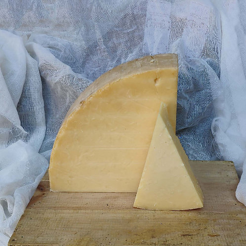 Quicke's Oak Smoked Mature Cheddar