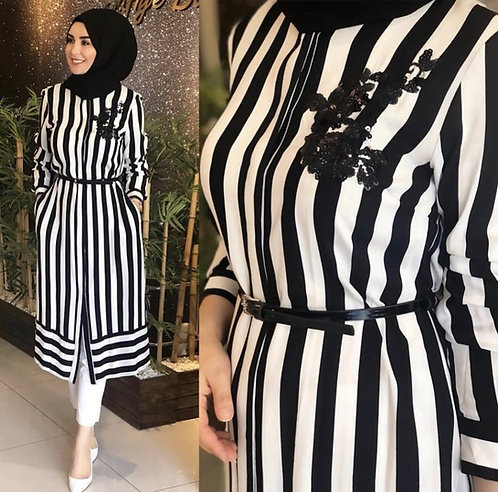 Striped shirt with motif