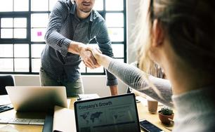 O coworking é o ambiente certo para consultores independentes.