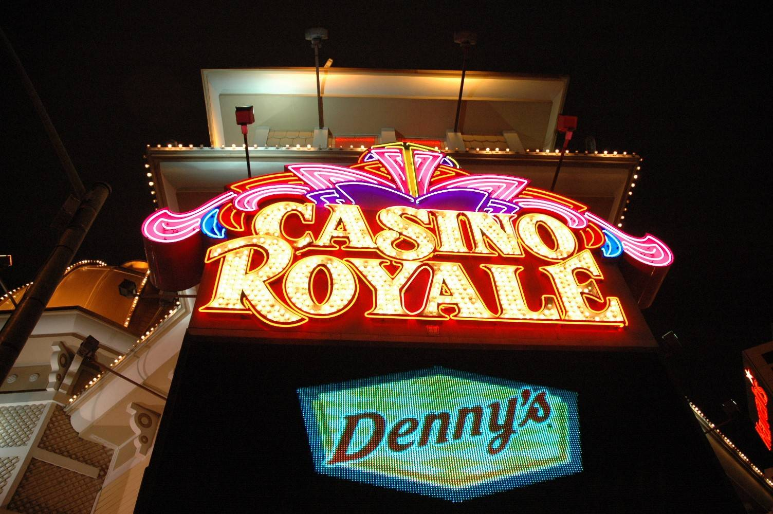 Casino Royal (37).jpg