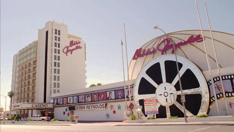 la-na-nn-vegas-implosion-hotel-casino-clarion-001.jpg