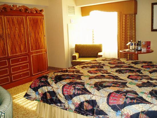 aladdin-deluxe-room.jpg