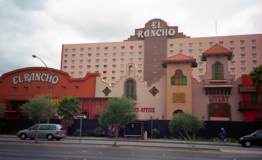 El Rancho-Thunderbird (33).jpg