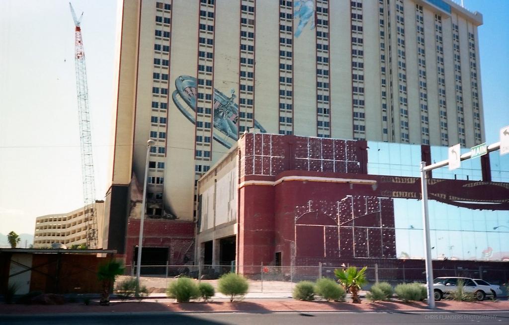 Bob Stupak's Vegas World (7).jpg