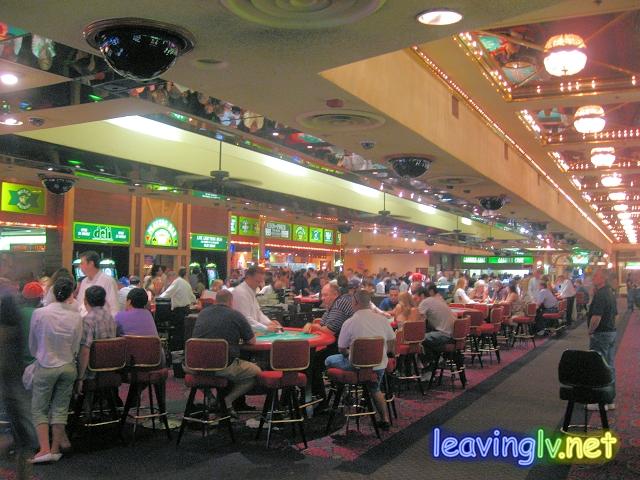 New frontier casino la center persona 1 casino guide