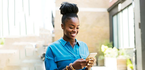 young-black-woman-using-smart-mobile-pho
