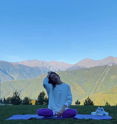 Утренняя тренировка по йоге