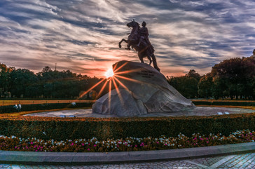 bronze-horseman-dawn-day-433567.jpg