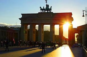Бранденбургские ворота Sunset.webp
