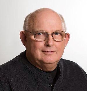 Dennis Olson Headshot.jpg