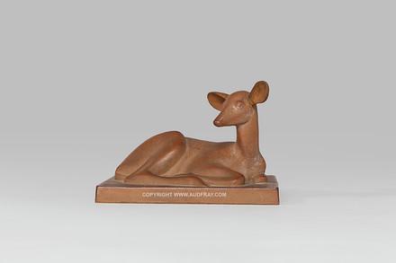 Armand Petersen - Antilope couchée sans cornes - Sèvres