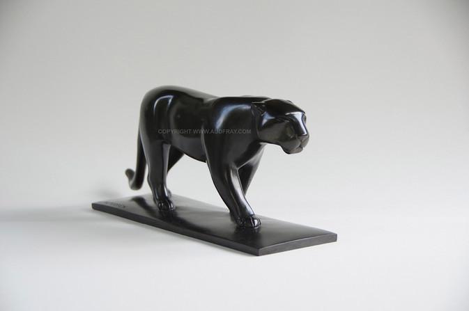 Armand Petersen - Grande panthère queue plâte et traînante
